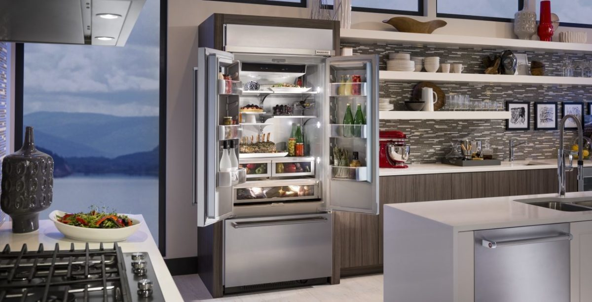 cucina-stile-industriale-frigorifero