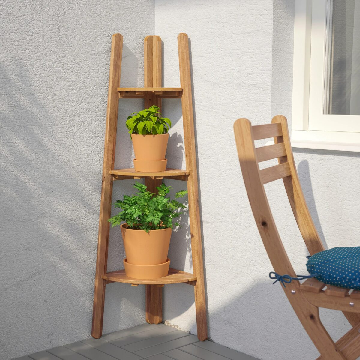 ikea-askholmen-piedistallo-per-piante-mordente-marrone-chiaro