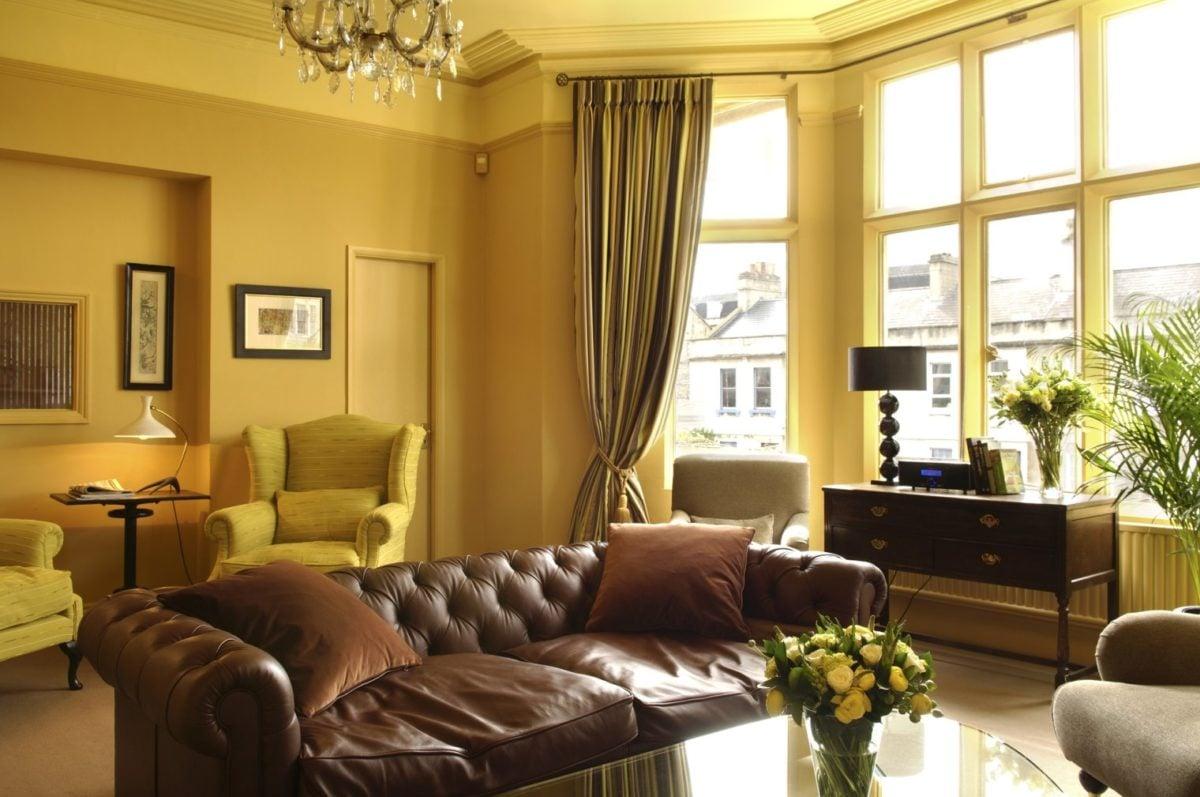 color-giallo-senape-soggiorno