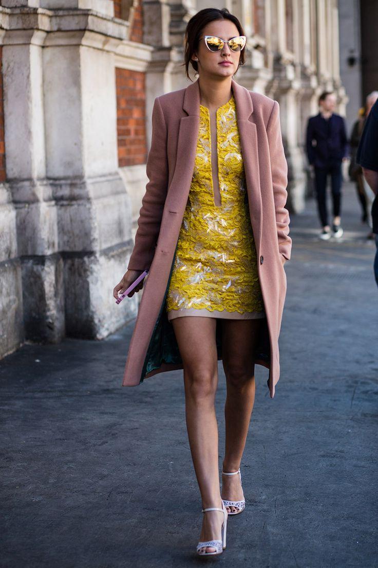 color-giallo-senape-vestito