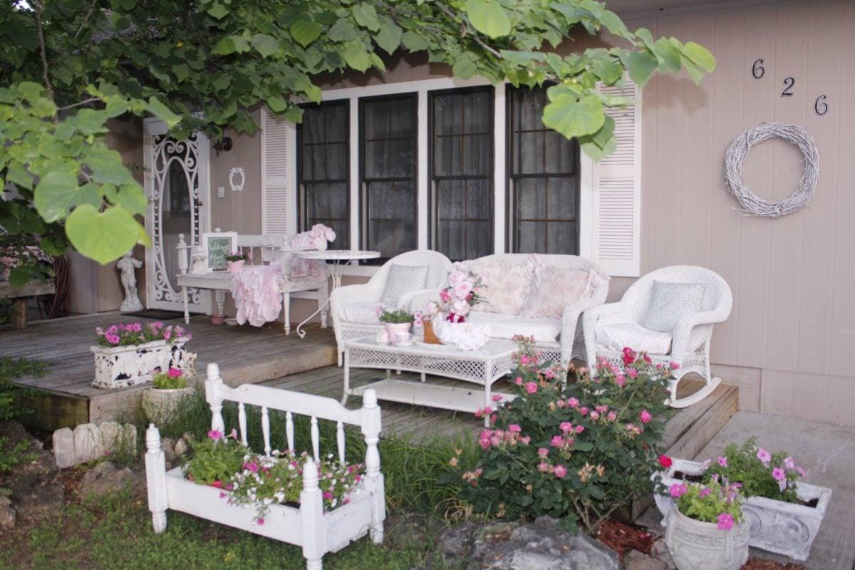Sistemare Giardino Di Casa idee originali per arredare un giardino in stile shabby chic