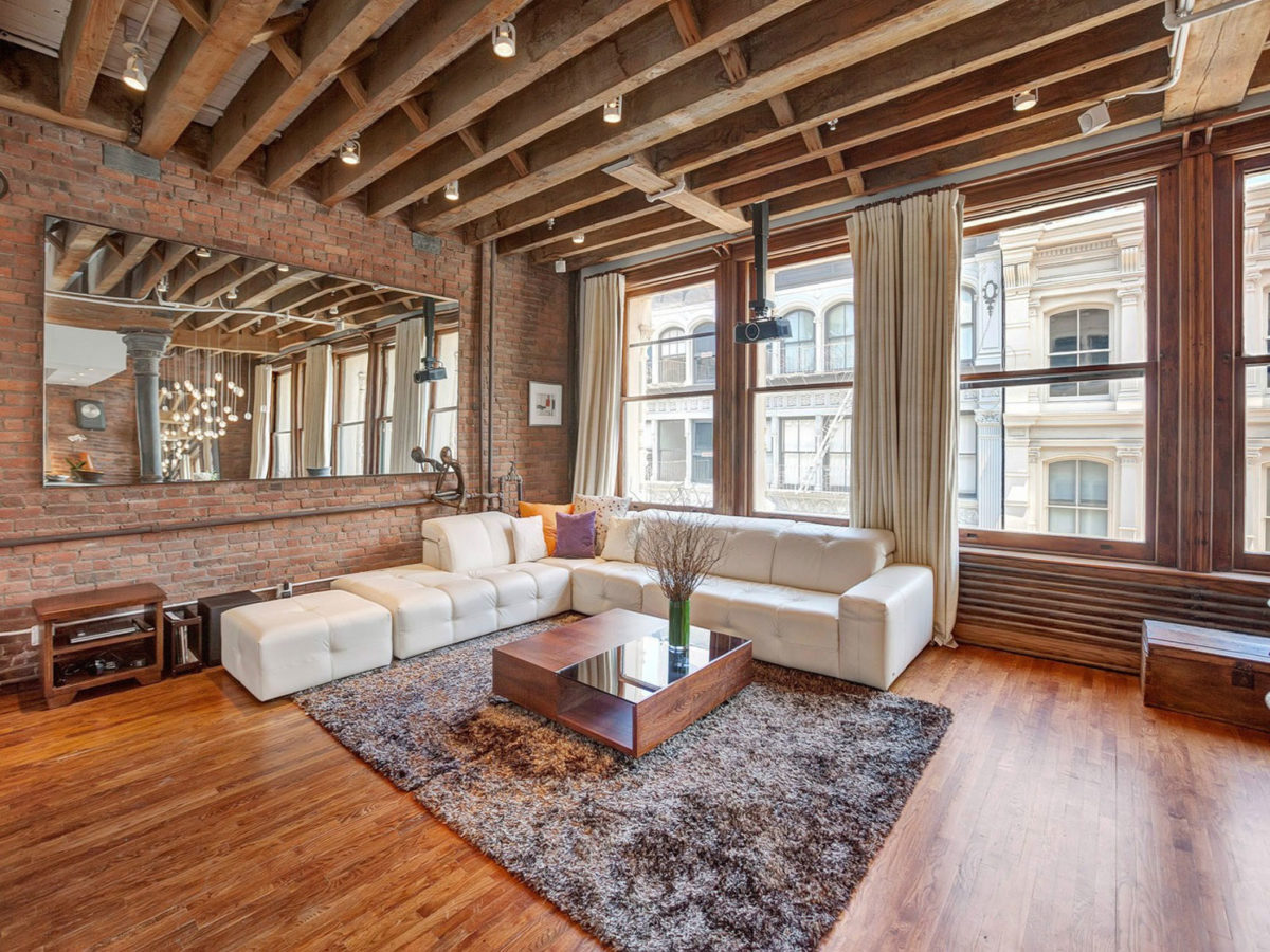 soggiorno-stile-newyorchese-illuminazione