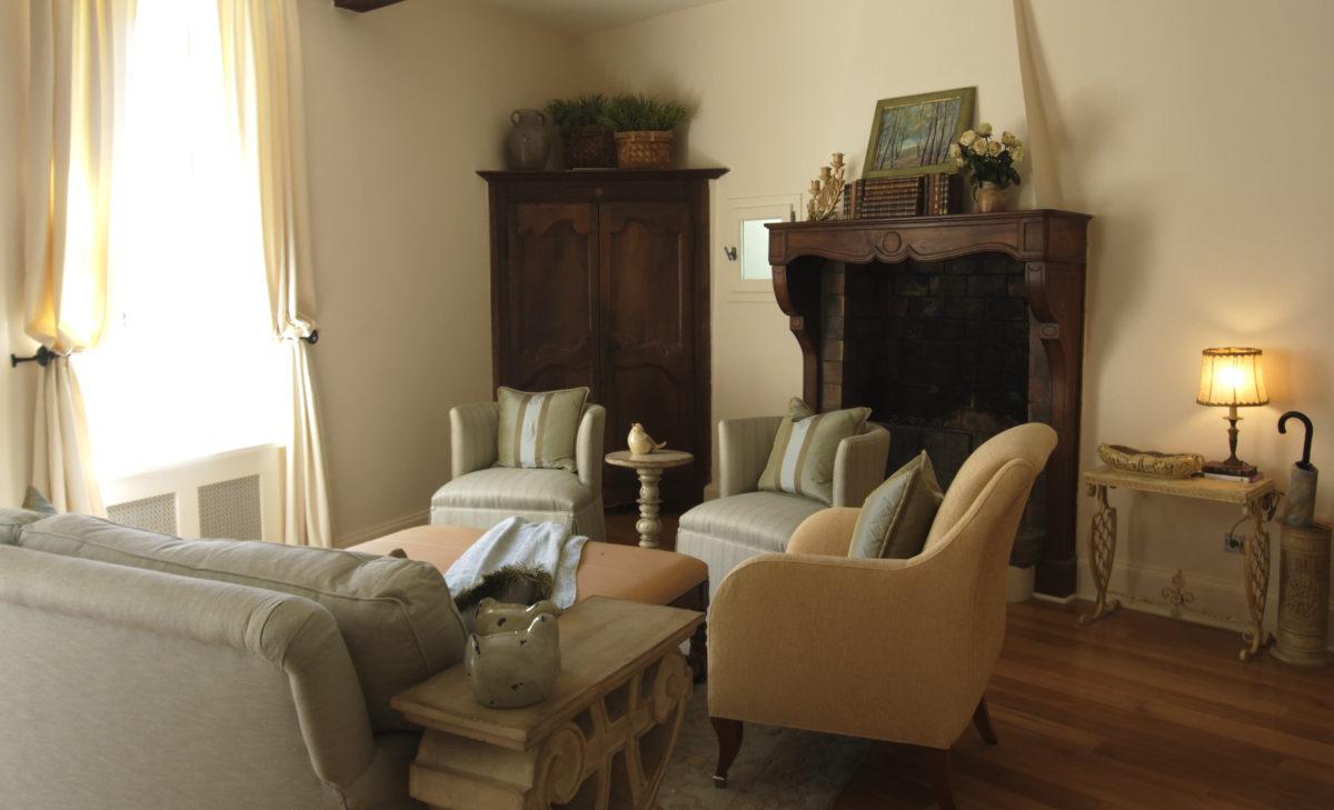 soggiorno-stile-provenzale-poltrone