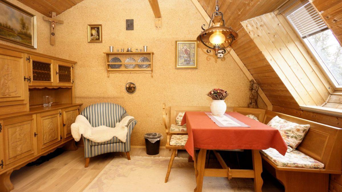 sala-da-pranzo-stile-bavarese
