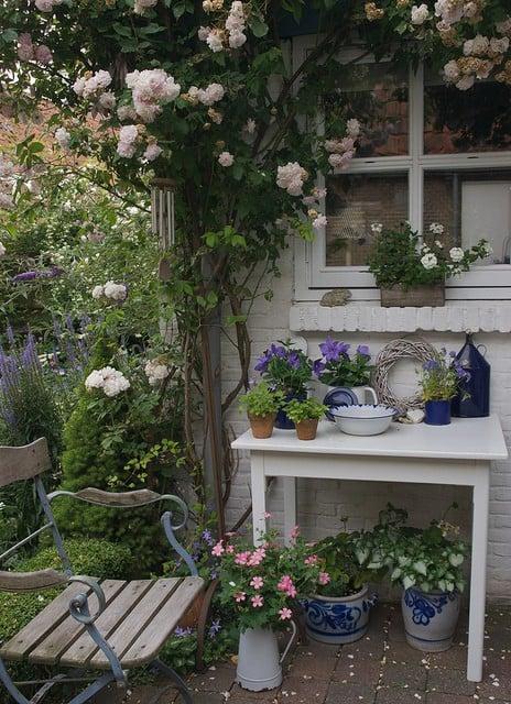 10 idee fantastiche per arredare piccolo giardino da sogno for Arredare un piccolo giardino