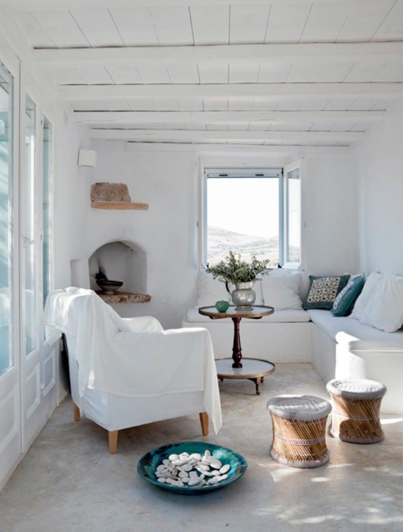 stile-greco-soggiorno-2