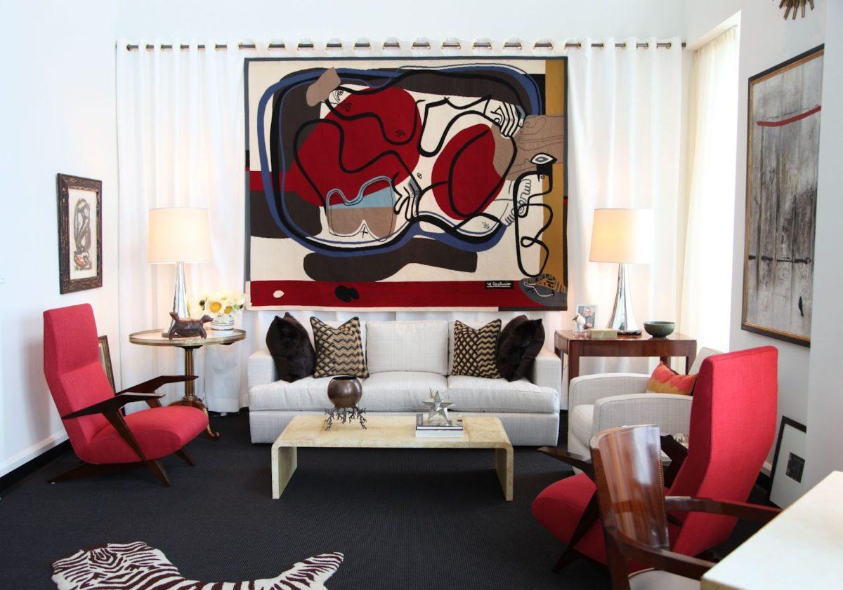 arredare-soggiorno-bianco-rosso-18