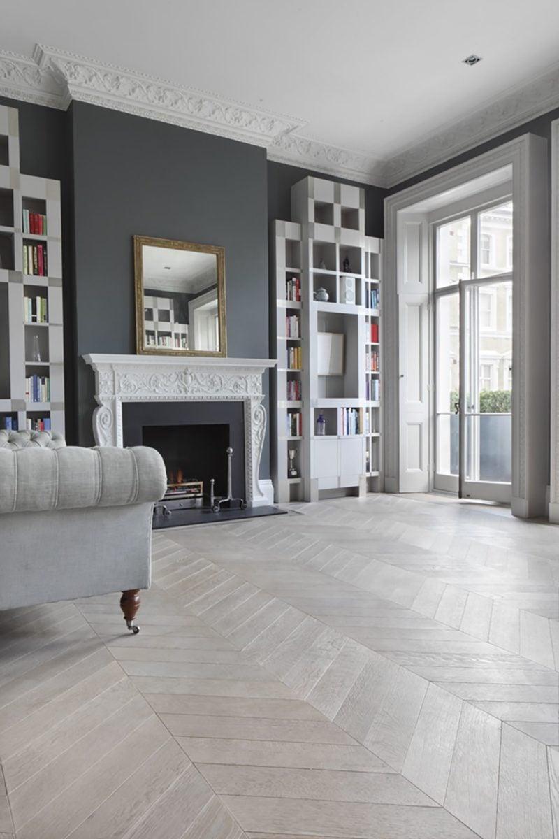 Divano Rosso E Grigio pavimento grigio: guida agli abbinamenti migliori