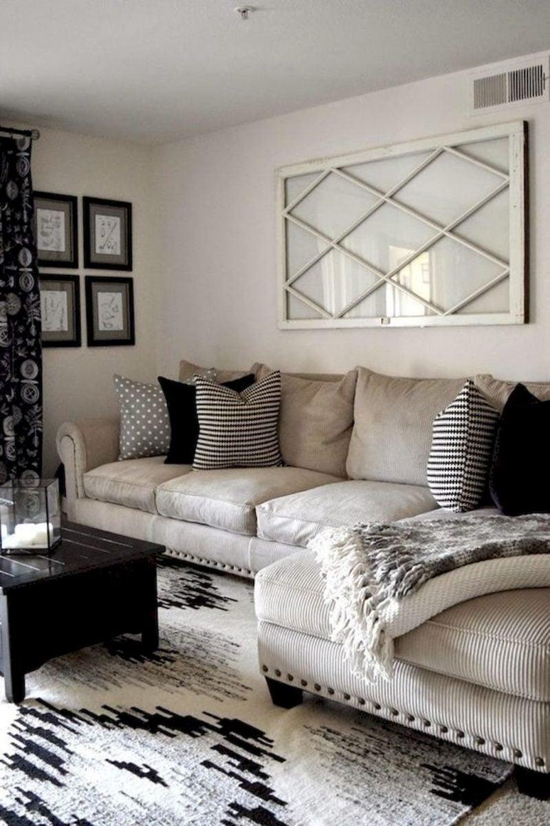 abbellire-soggiorno-piccolo-divano
