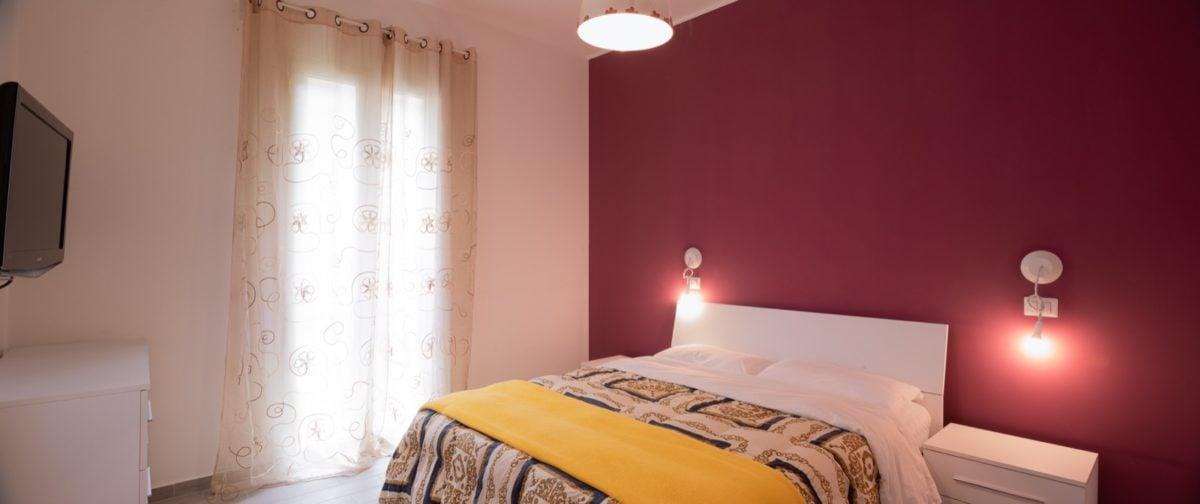 color-amaranto-camera-letto-grande