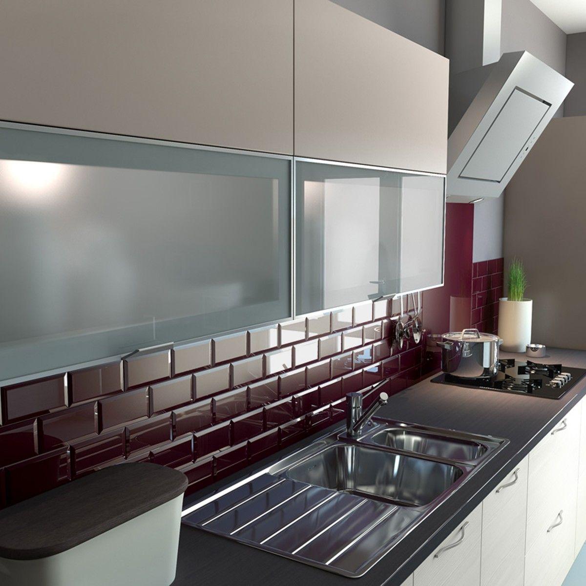 colore-borgogna-cucina-piastrelle