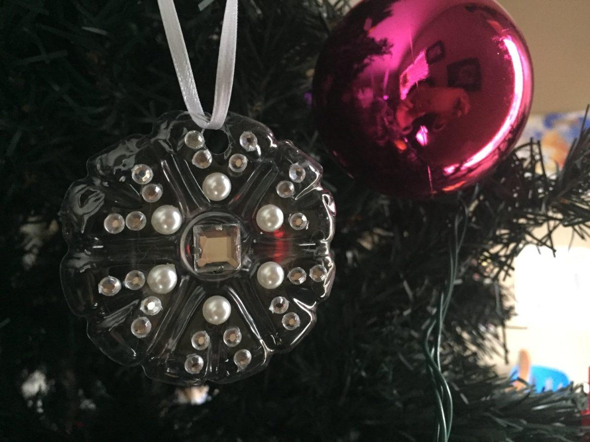decorazioni-natalizie-plastica-appese