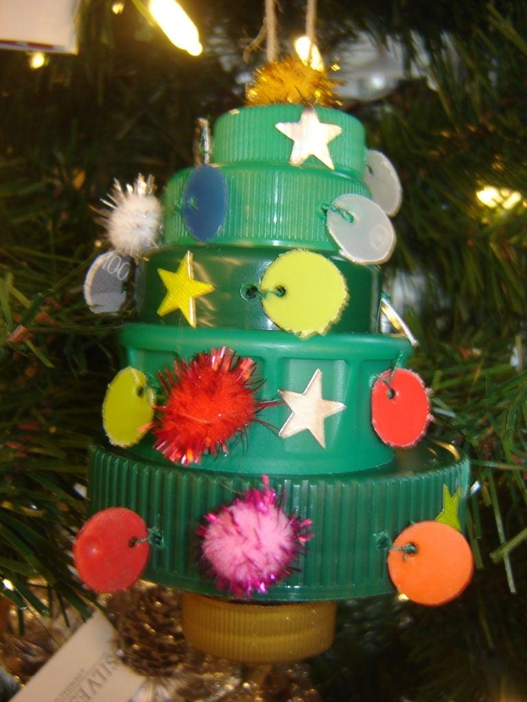decorazioni-natalizie-plastica-tappi