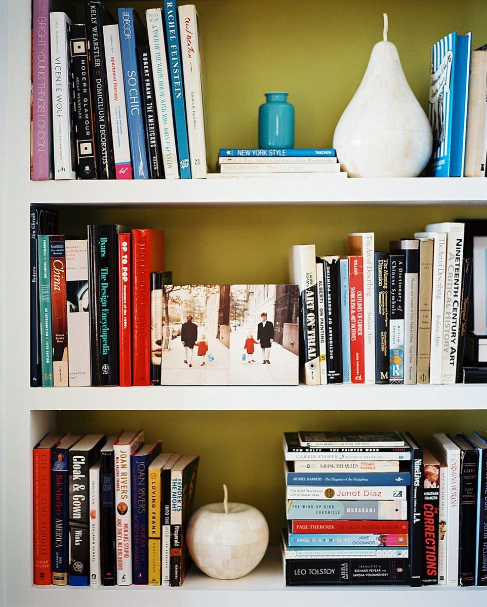 organizzare-libri-libreria-casa-disposizione-diversa