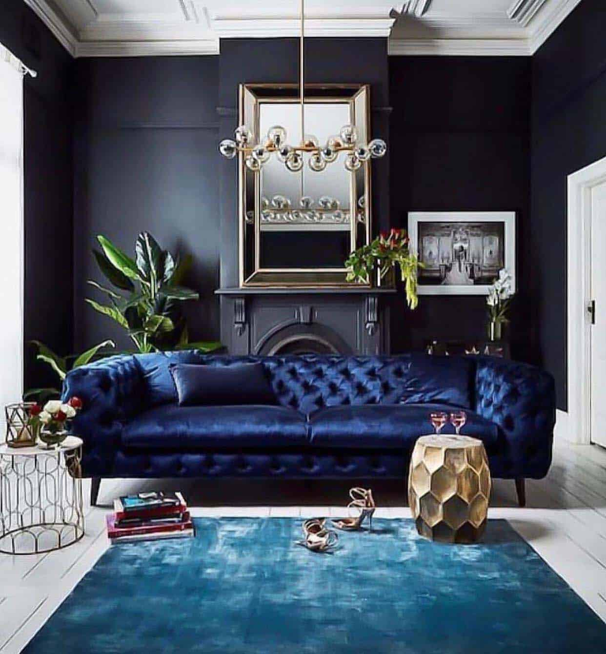 soggiorno-total-black-divano