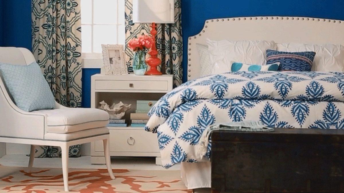blu-mirtillo-camera-letto-muro