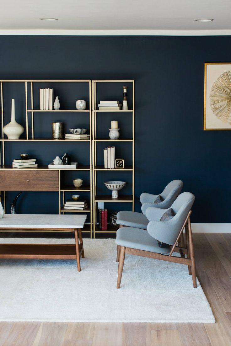 blu-mirtillo-soggiorno-parete