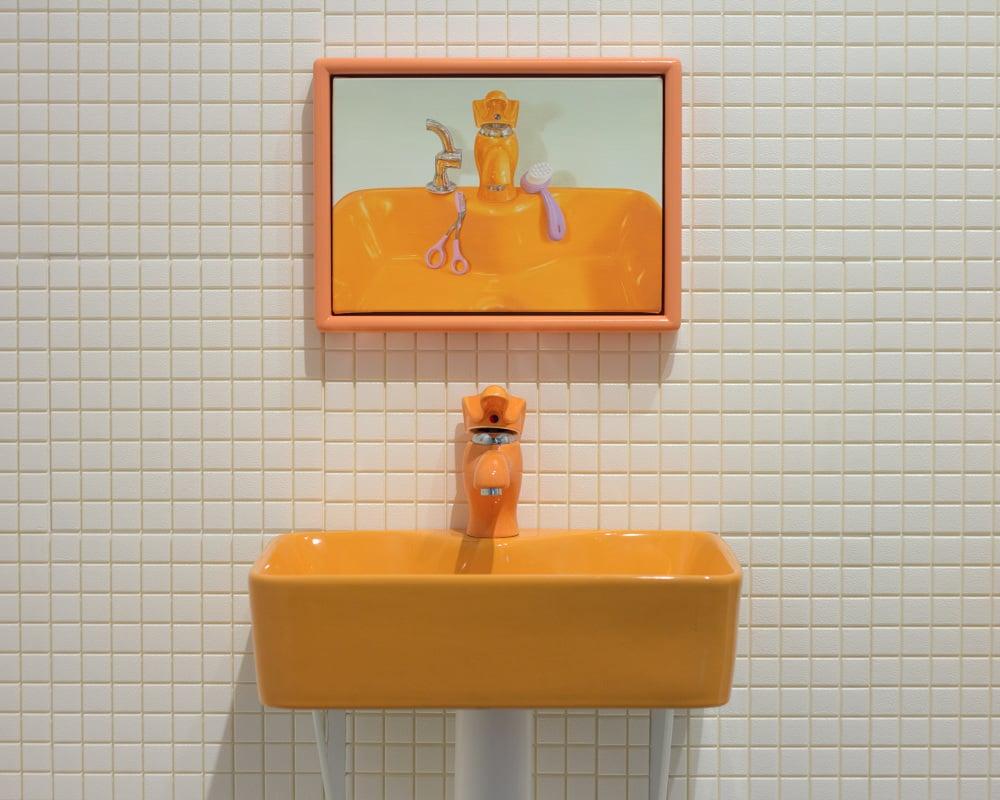 colore-ambra-bagno-lavabo