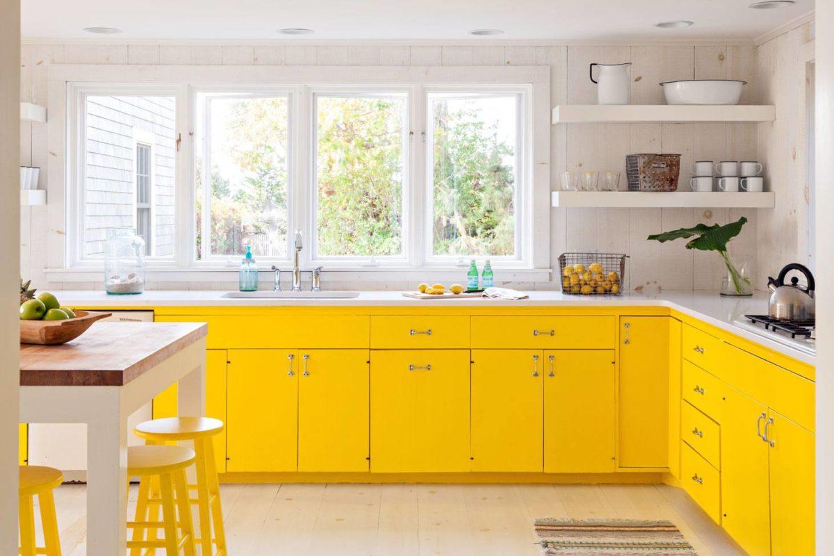 colore-ambra-cucina-mobili