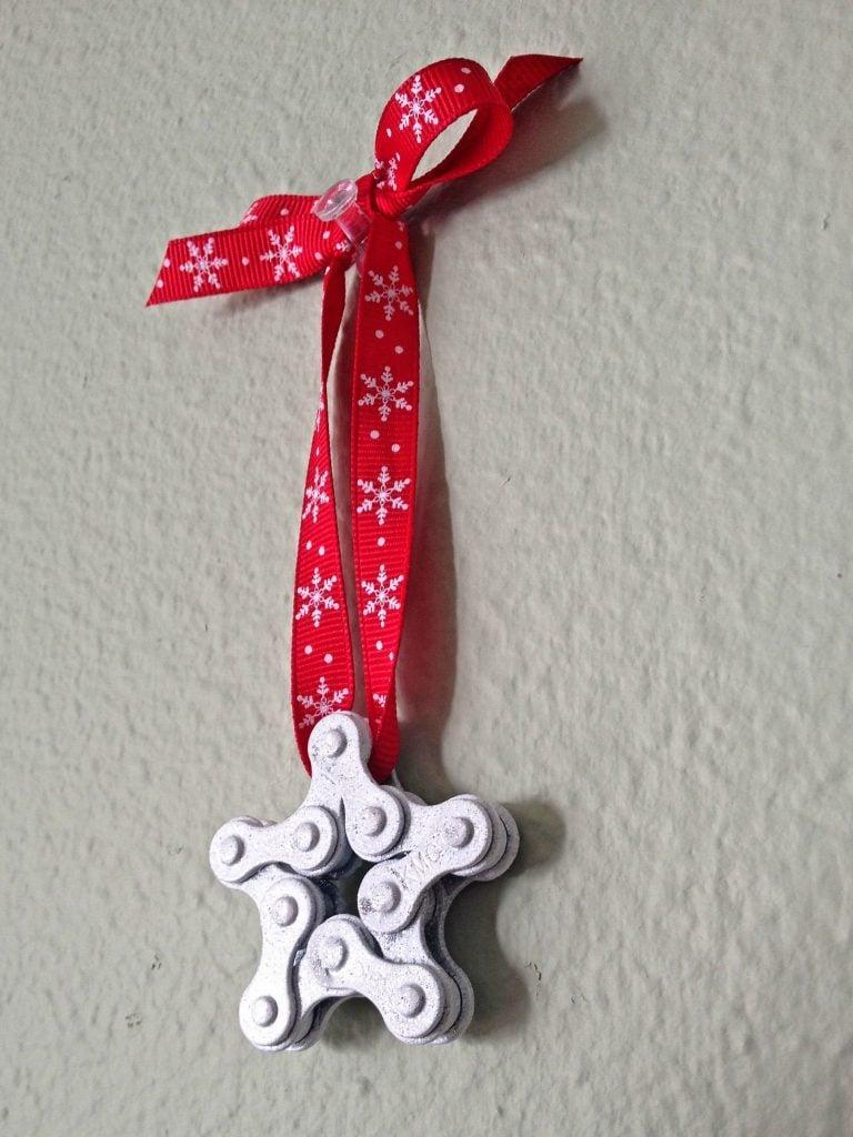 decorazione-natalizia-bici-catena-albero