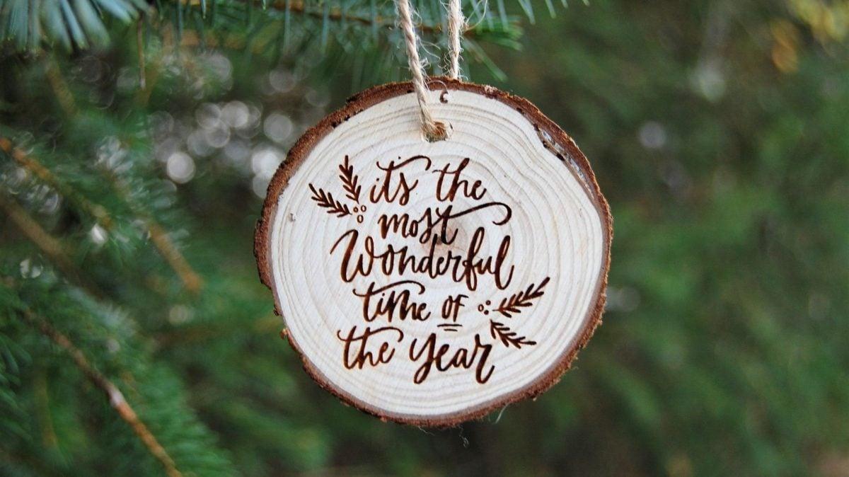 decorazioni-natalizie-ecologiche-ciondolo-legno