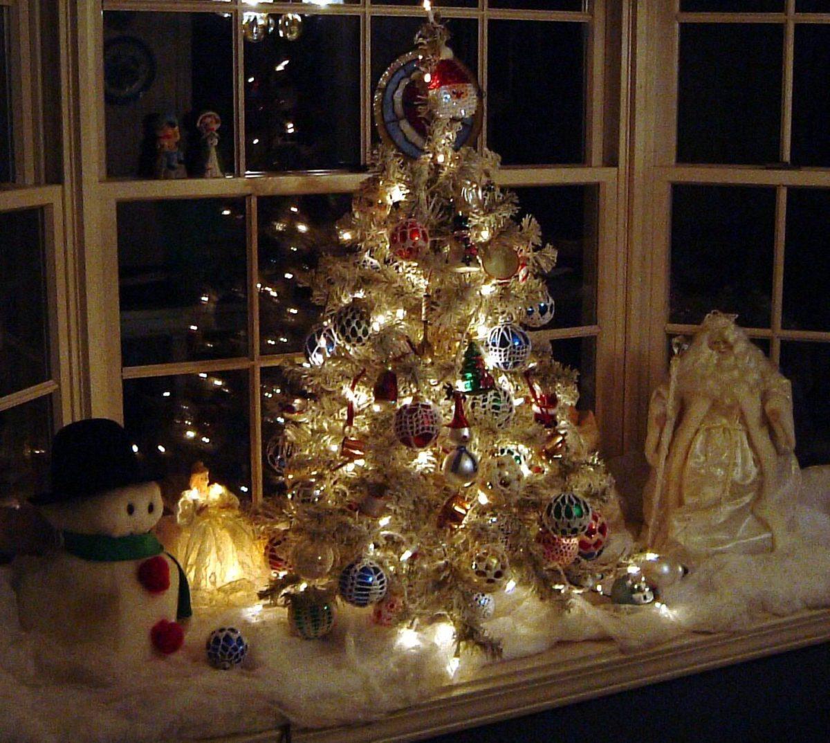 decorazioni-natalizie-finestre-presepe-moderno