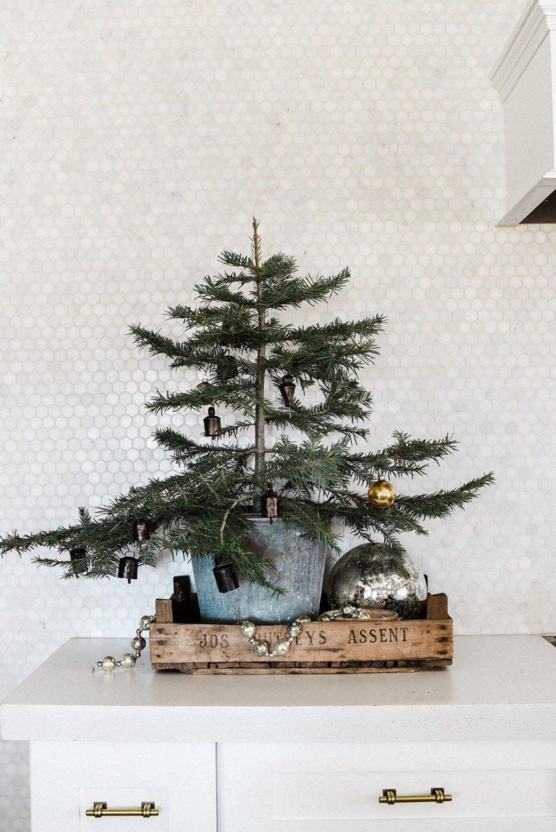 decorazioni-natalizie-scandinave-albero-cassetta