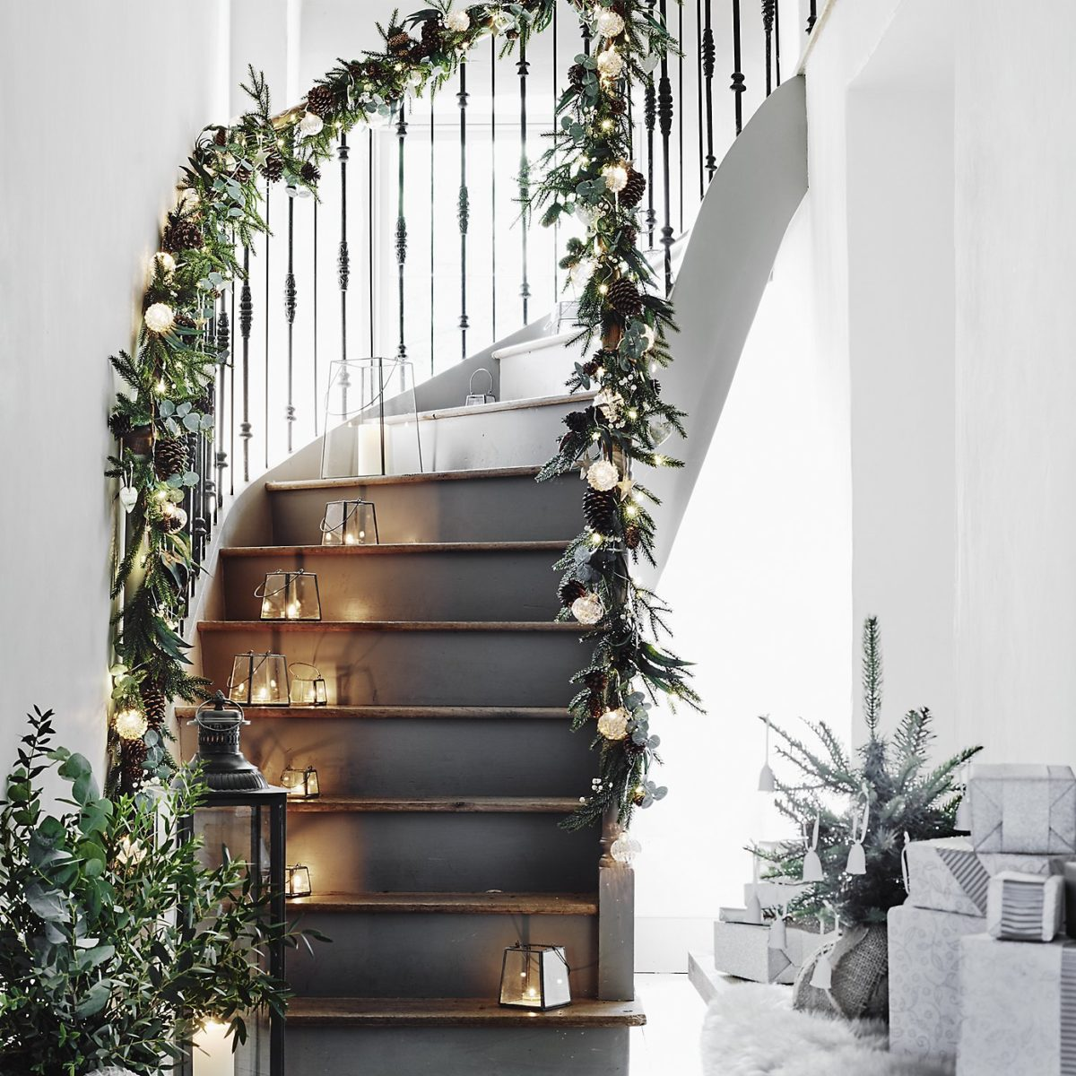 decorazioni-natalizie-scandinave-scala