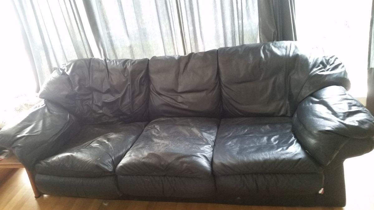 divano-usato-nero