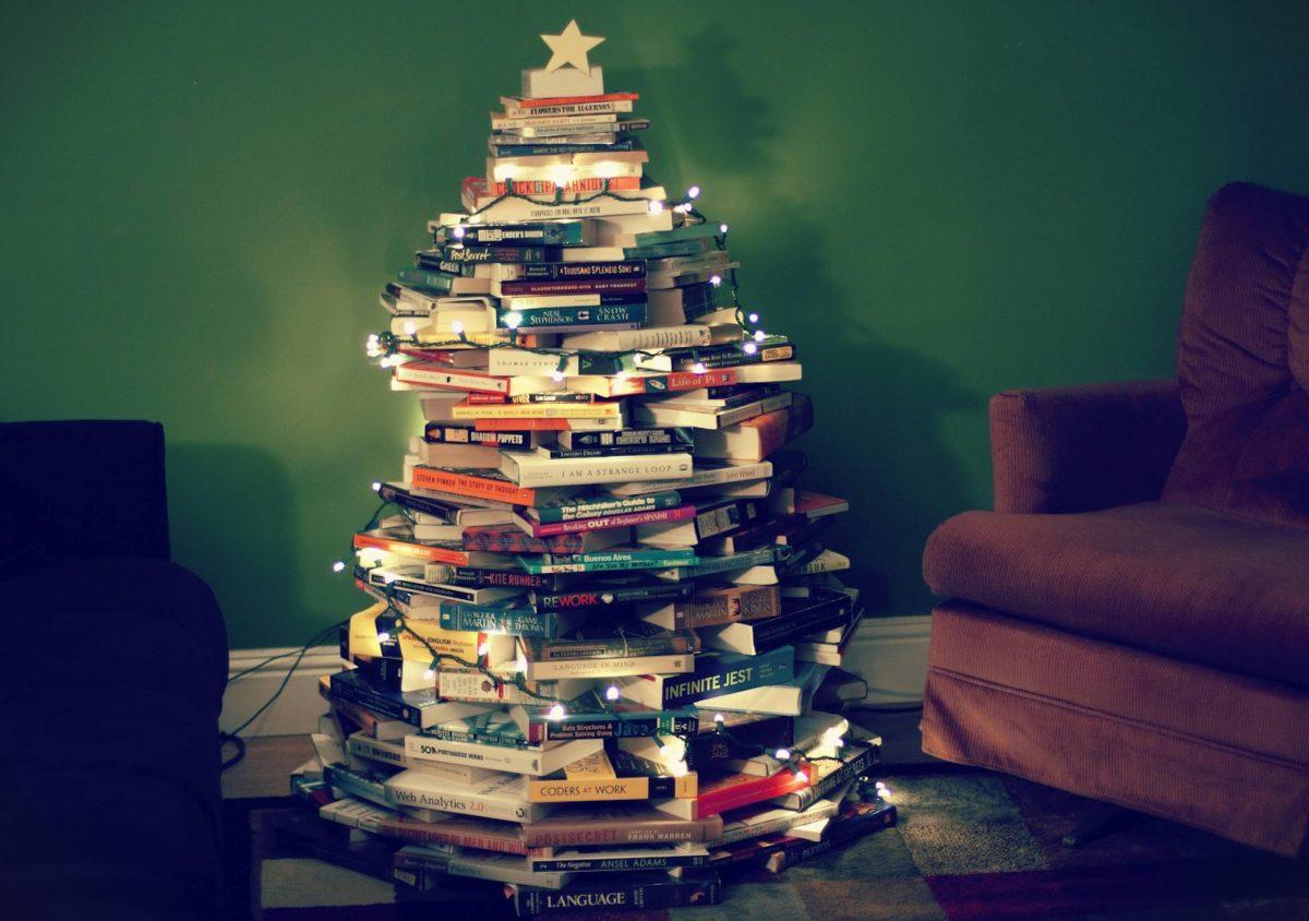 albero-natale-grande-particolare-libri