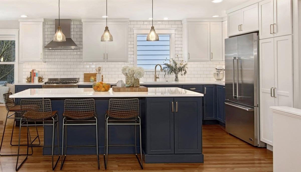 blu-acciaio-cucina-mobili