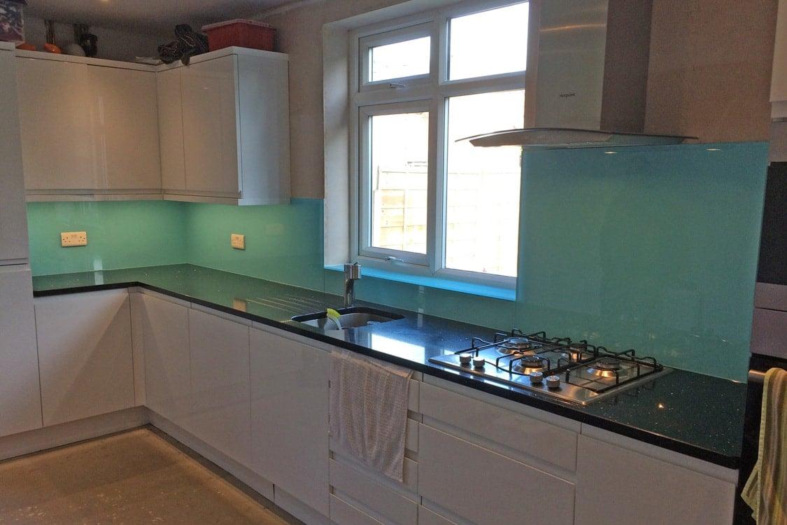 cucina-color-tiffany-parete-lucida