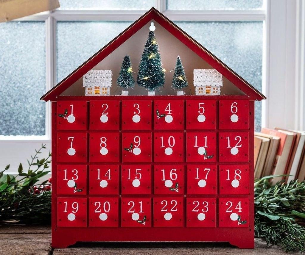 decorazioni-natalizie-legno-casetta-calendario