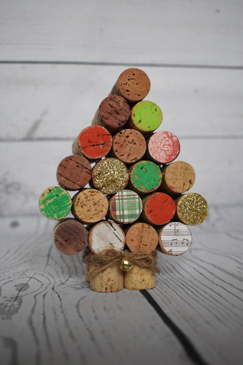 decorazioni-natalizie-tappi-sughero-albero-colorato