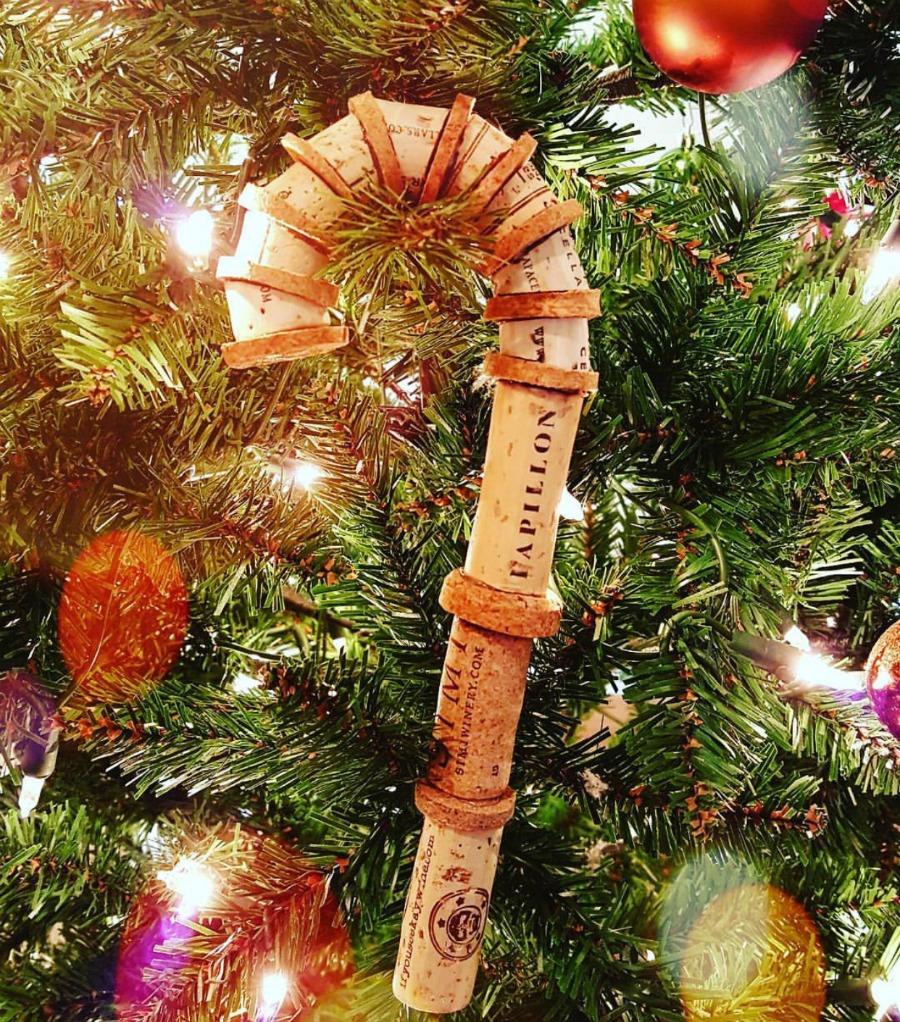 decorazioni-natalizie-tappi-sughero-bastone