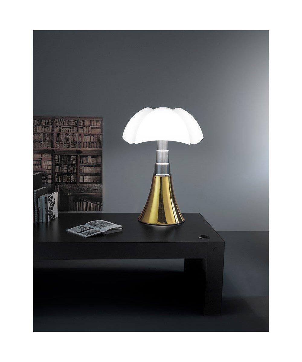 lampada-pippistrello-tavolo
