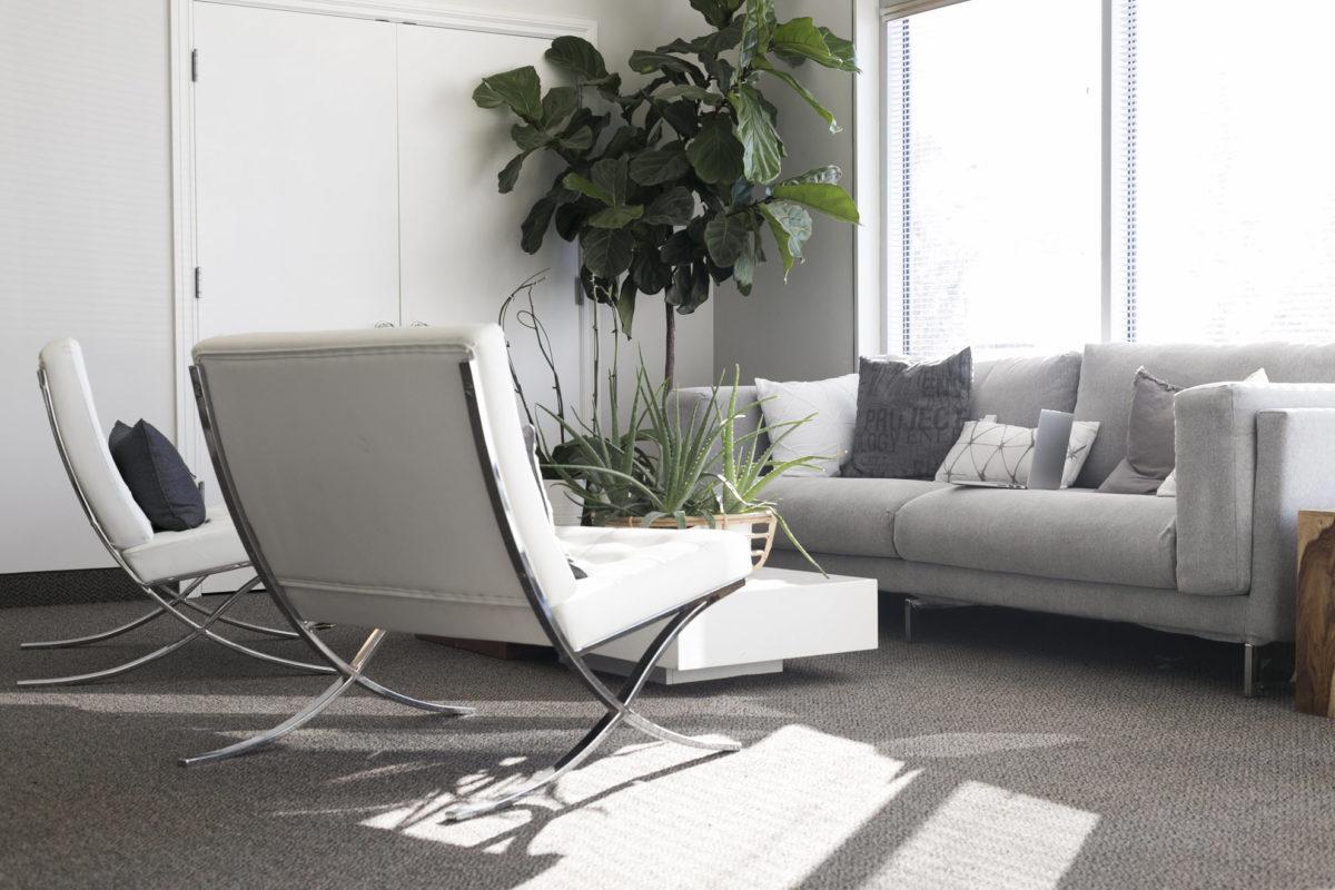 soggiorno-minimal-poltrone