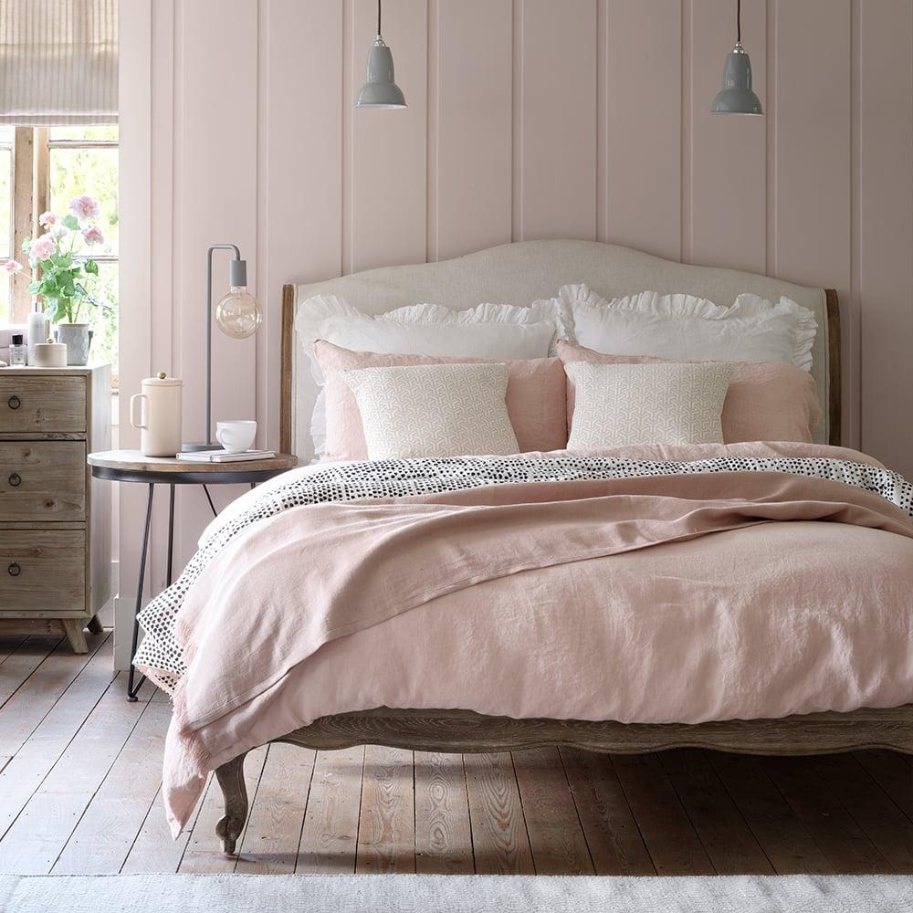 camera-letto-rosa-pastelo