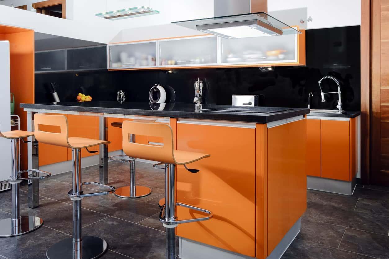 cucina-arancione-bistrot