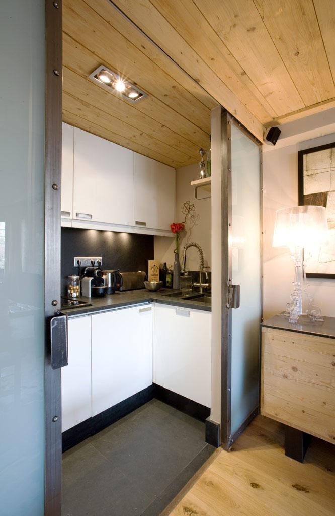 cucina-piccola-porte-scorrevoli