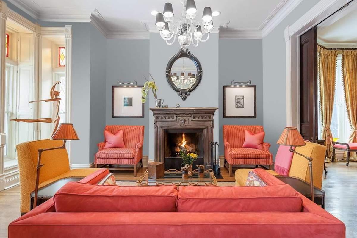 soggiorno-color-corallo-divani