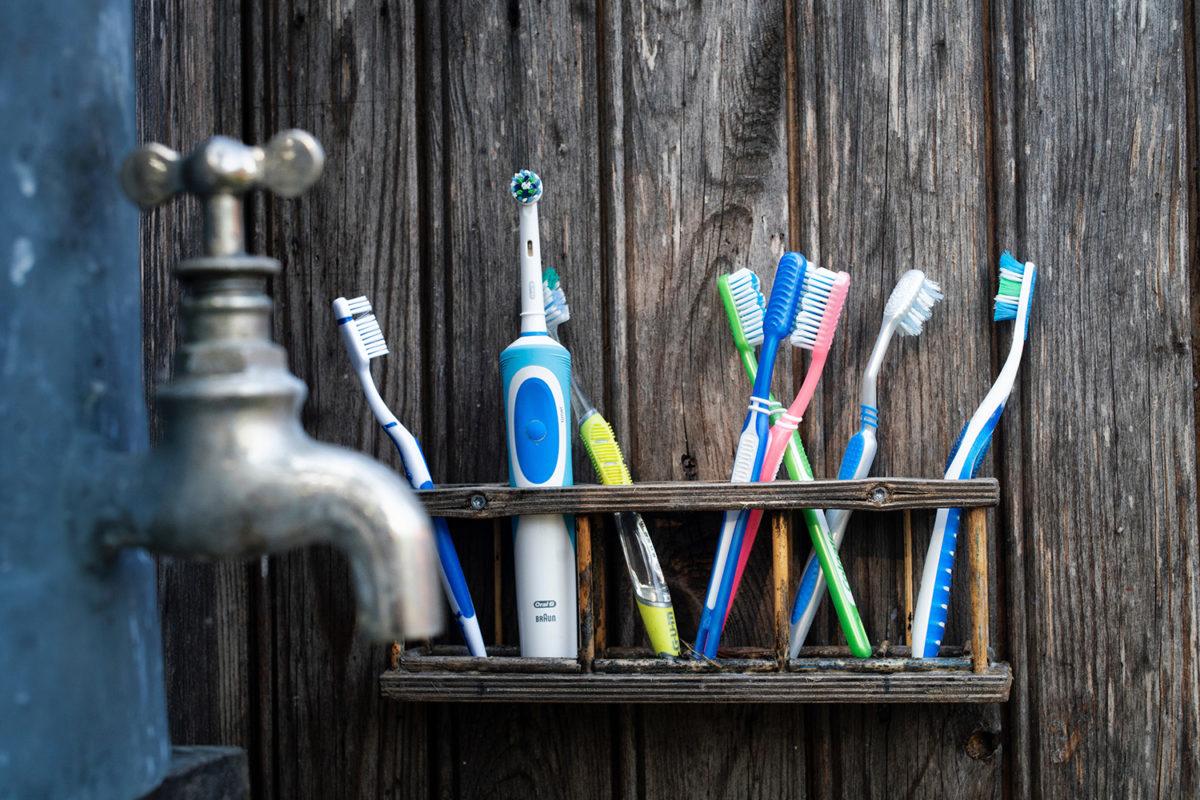 spazzolino-da-denti-pulizia