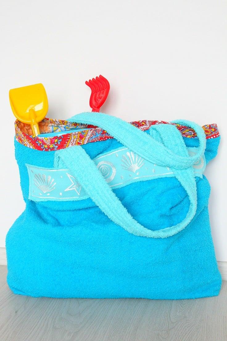 accappatoio-riciclo-creativo-borsa-spiaggia