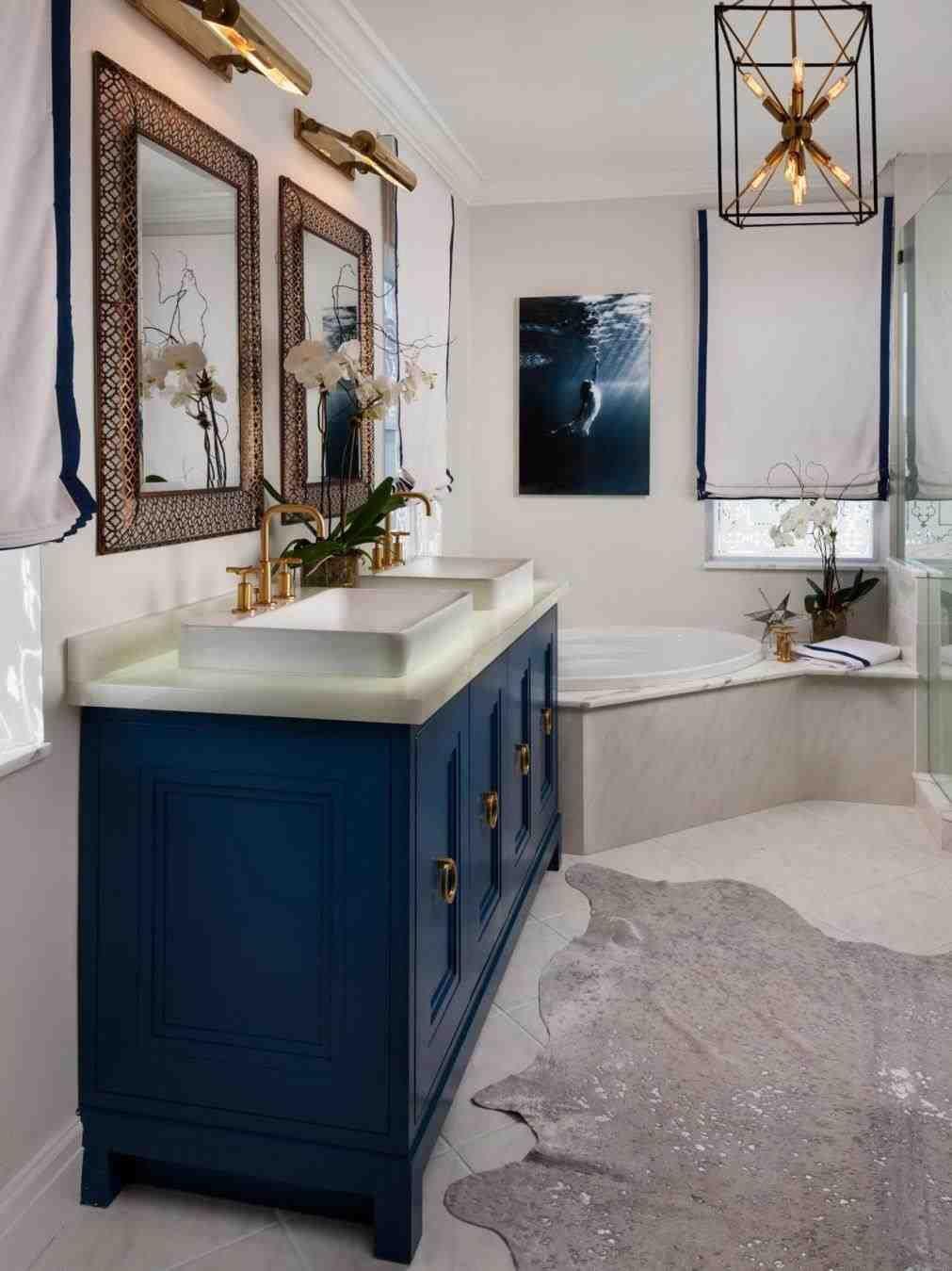 colore-blu-reale-bagno-mobili