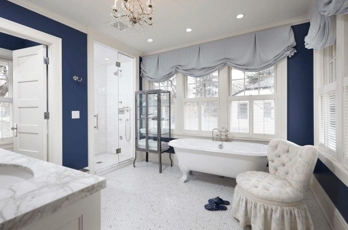 colore-blu-reale-bagno-padronale