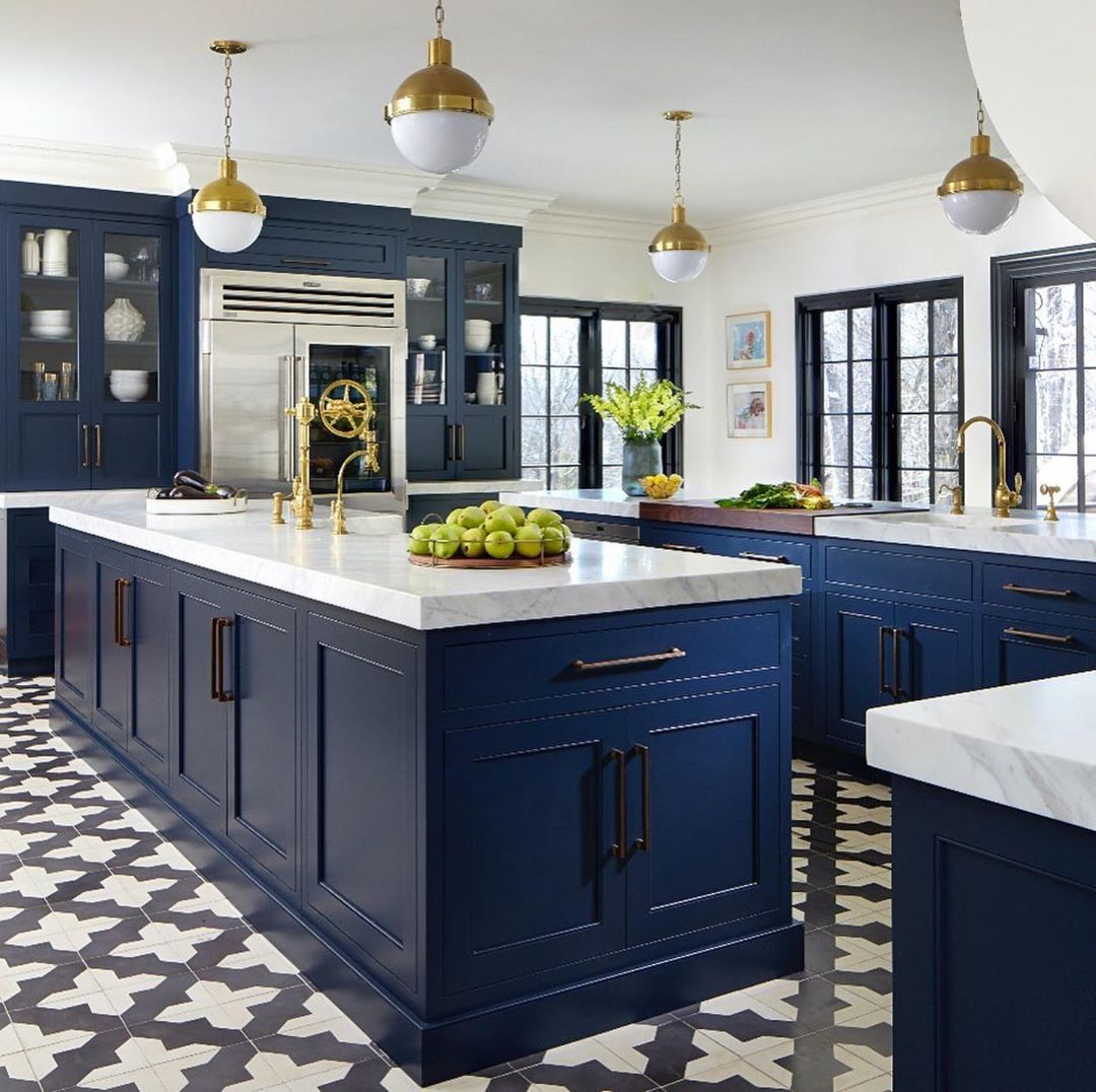 colore-blu-reale-cucina-isol