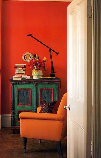 soggiorno-arancione-poltrona