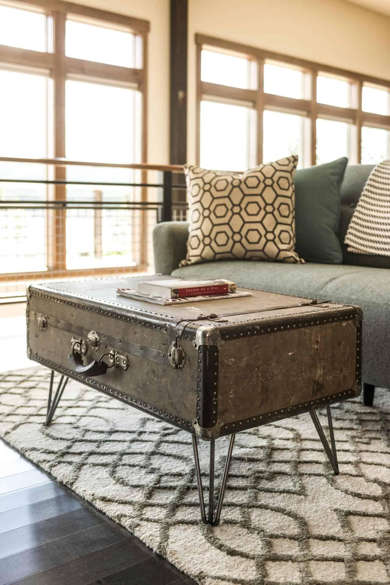 riciclare-valigia-tavolino-soggiorno