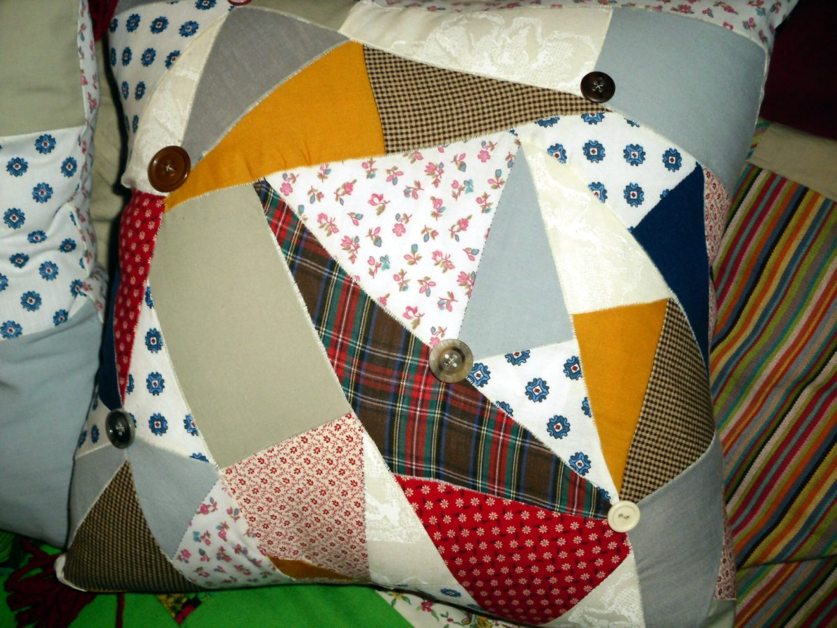 riciclare-vecchie-calze-cuscino