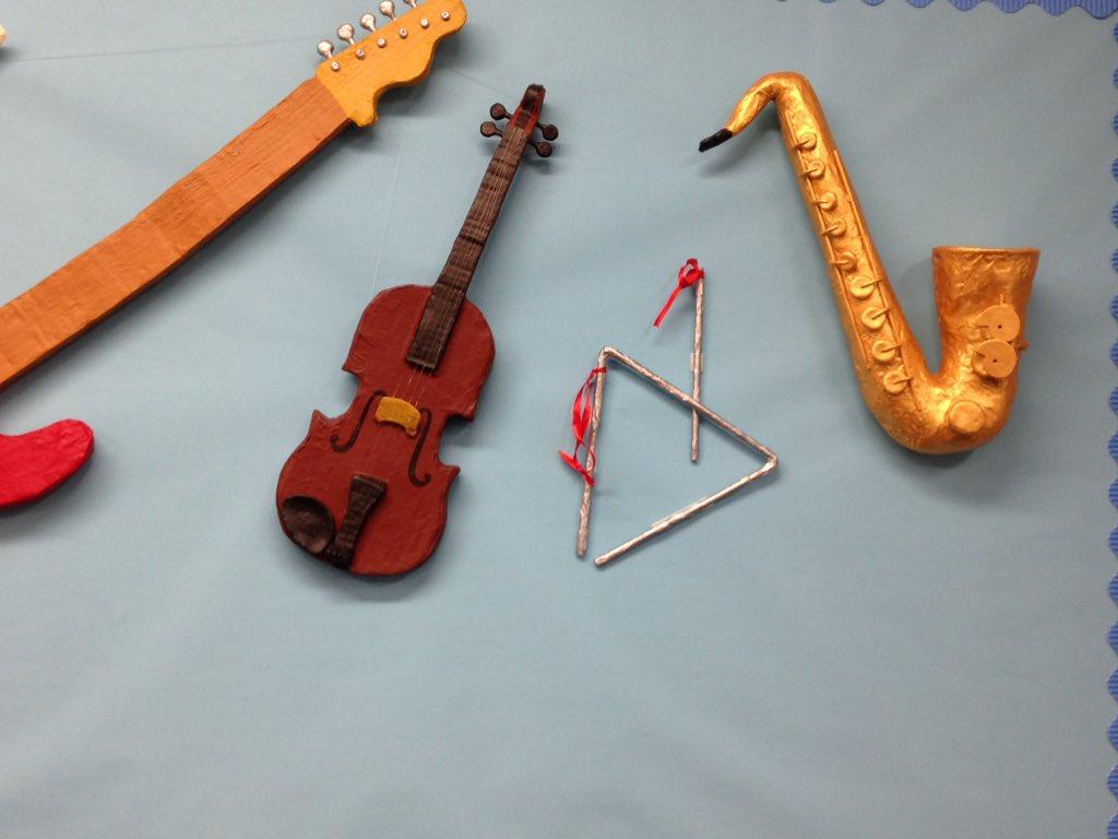 strumento-musicale-riciclo-giocattoli